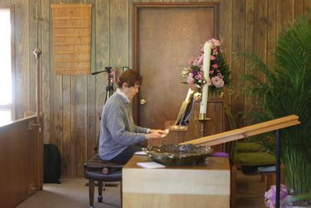 Annie at Piano by Pat Thomas 2015